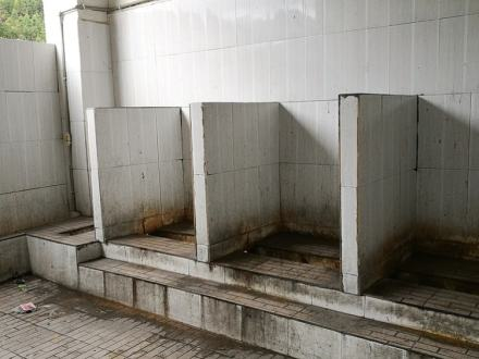 Old-public-toilet-in-China